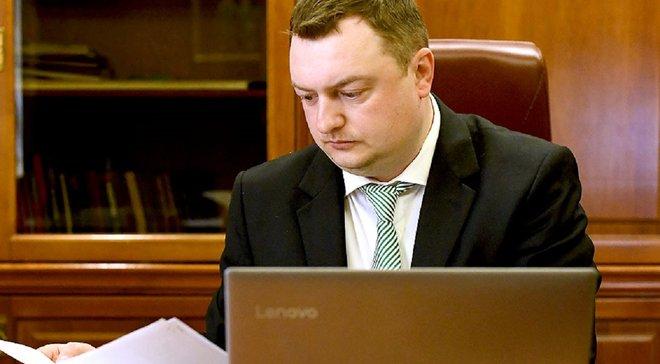 Пропозиція придбати Карпати за символічну гривню залишається у силі, – директор клубу Ящишин