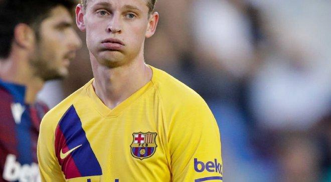 Де Йонг эмоционально отреагировал на вылет Аякса из Лиги чемпионов – видео отчаяния игрока Барселоны
