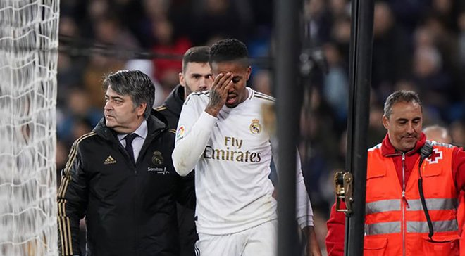 Мілітао отримав удар в обличчя в матчі з Атлетіком – бразильця довелось замінити через проблеми із зором
