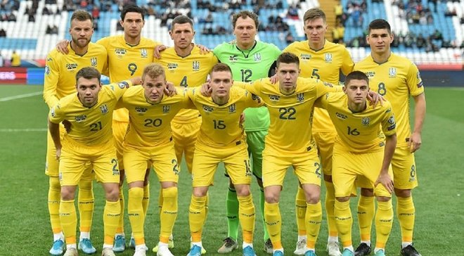 Шевченко и игроки сборной Украины поздравили болельщиков с Новым годом