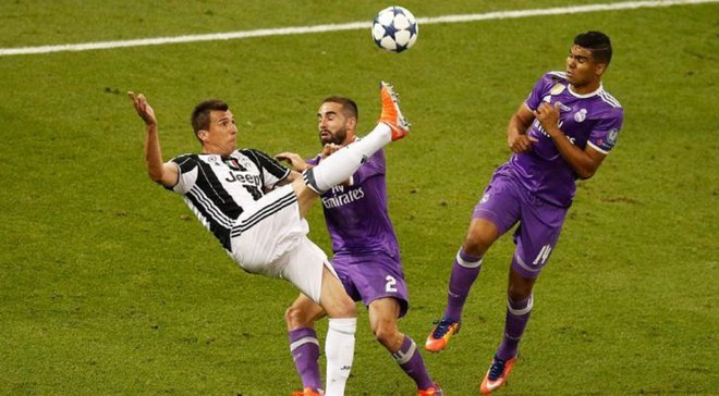 Ювентус стильным видео попрощался с Манджукичем и вспомнил космический гол в ворота Реала в финале ЛЧ