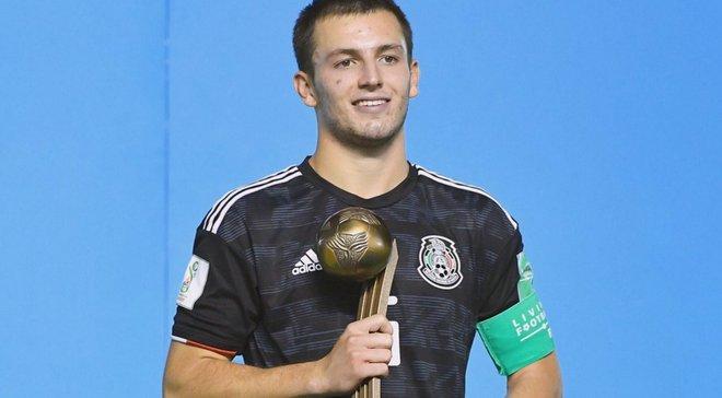 У чемпіонаті Мексики 17-річний гравець у дебютній грі зазнав жахливої травми – моторошне відео
