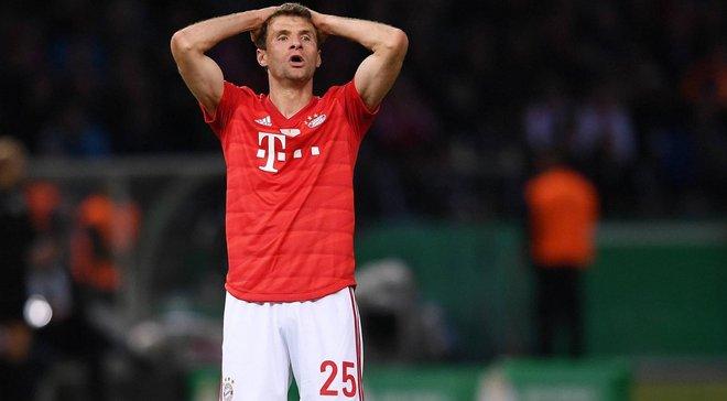 Мюллєр розсмішив уболівальників незграбним виконанням кутового – відео ганьби зірки Баварії