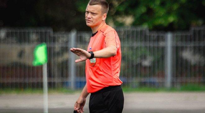 П'ять пенальті, вісім жовтих та одна червона картка – суддя влаштував шоу в матчі  чемпіонату Білорусі