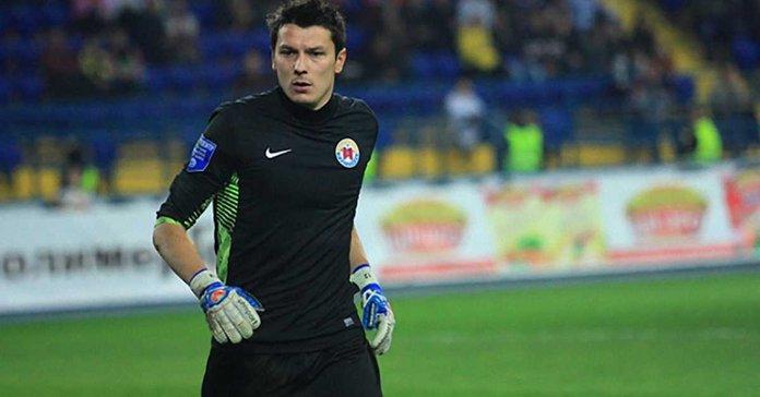 Вперше в Україні голкіпер розробив воротарські рукавиці - Футбол 24 1c9da591468e9